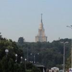 Лужники. Вид на Воробьевы горы и Главное Здание МГУ
